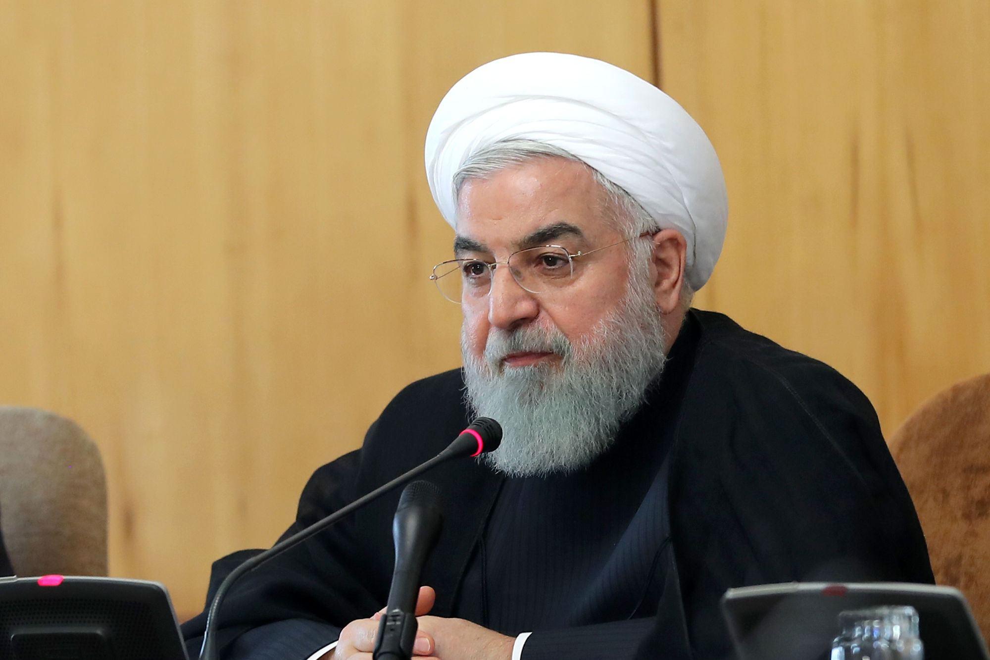 روحانی: ضرورت تداوم رعایت شرایط و دستور العملهای بهداشتی تا کنترل و قطع کرونا