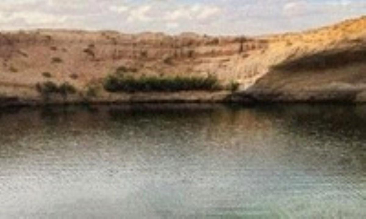 دریاچهای اسرارآمیز در بیابان تونس + تصاویر