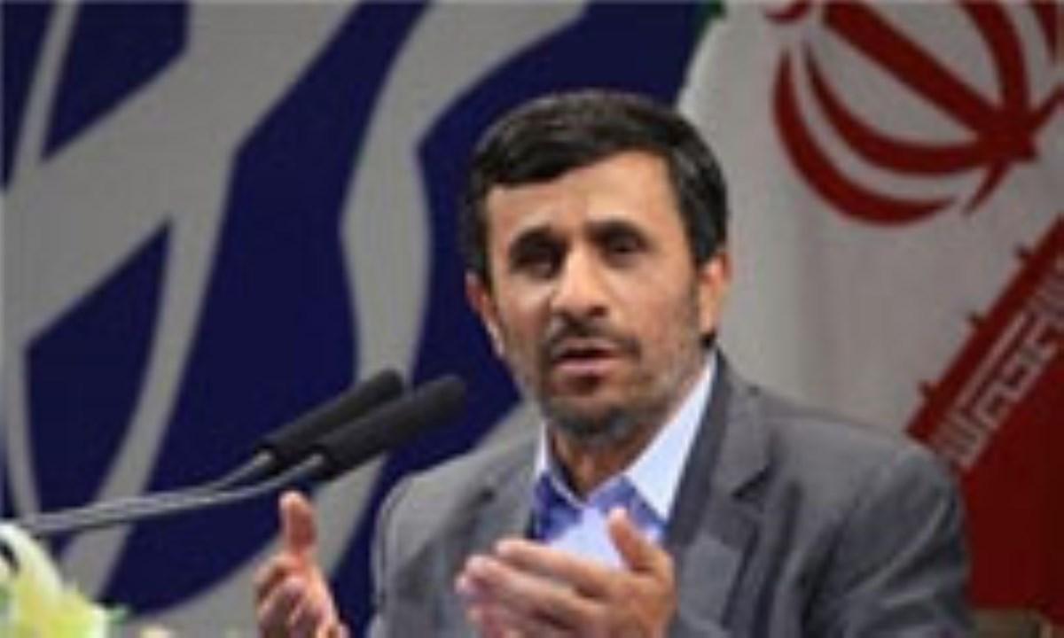 تأکید احمدینژاد بر اصلاح سیستم آبیاری اراضی زراعی