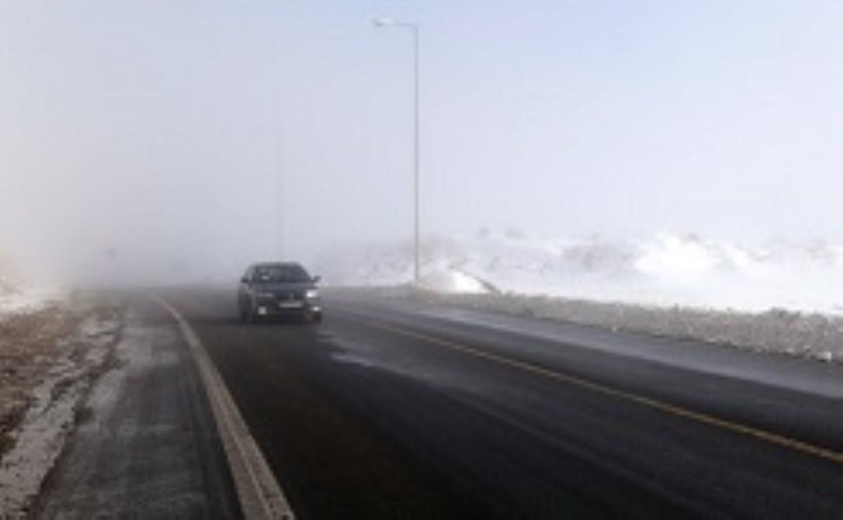 بارش برف در هراز و فیروزکوه/در صورت امکان از سفرهای غیر ضروری خودداری کنید