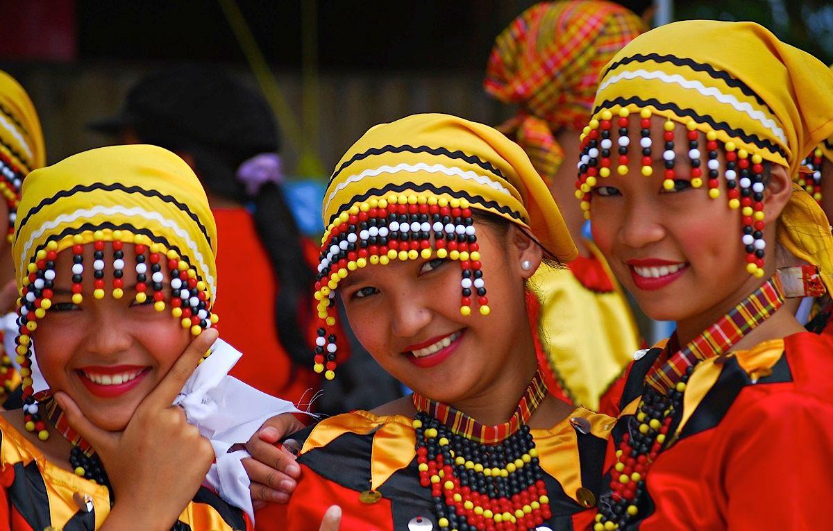 آشنایی با عجیبترین رسوم کشورهای جهان