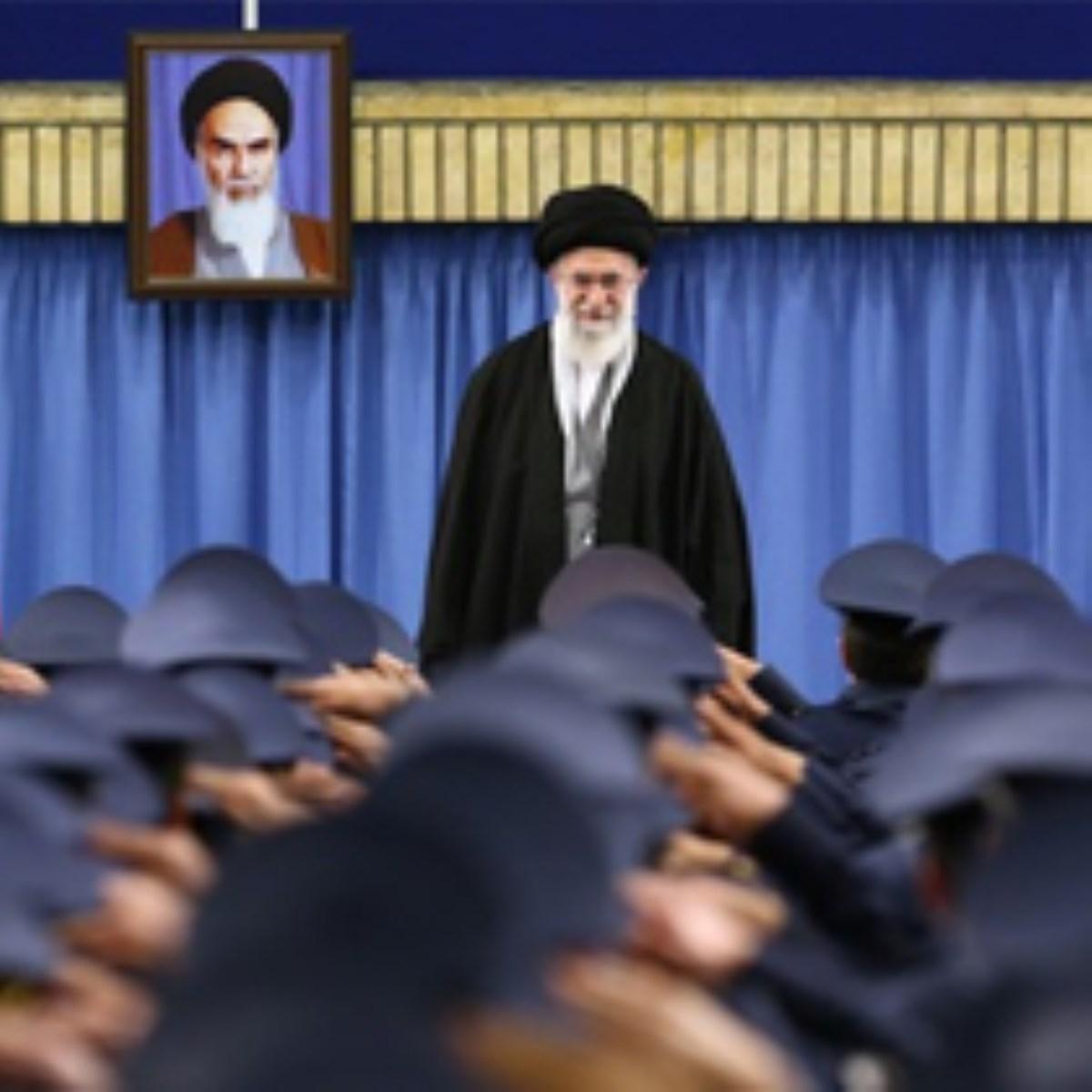 گزارش تصویری / دیدار فرماندهان و کارکنان نیروی هوایی ارتش جمهوری اسلامی ایران با رهبر انقلاب