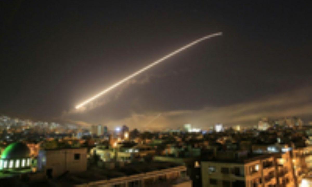 حمله موشکی آمریکا، انگلیس و فرانسه به سوریه / موشکهای مهاجمان به اهداف خود نرسیدند