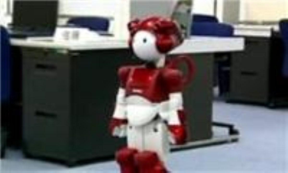 مخترع ايراني ربات نمازخوان ساخت