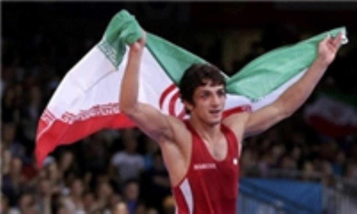 حمید سوریان : ورزشکاران با وقف اماکن ورزشی نام خود را بلندآوازه کنند / ورزشگاهی در زادگاهم تأسیس کردم