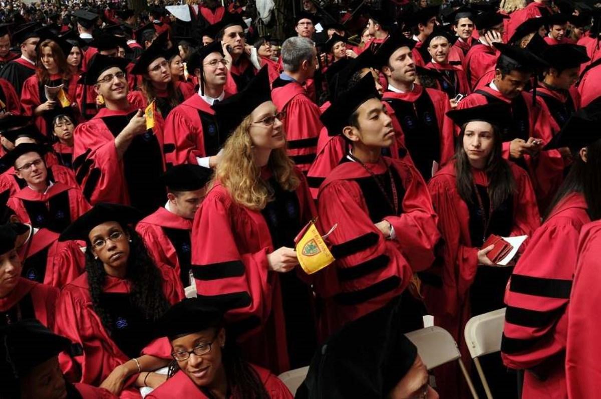 پوشش دانشجویان در دانشگاههای معتبر دنیا چگونه است؟
