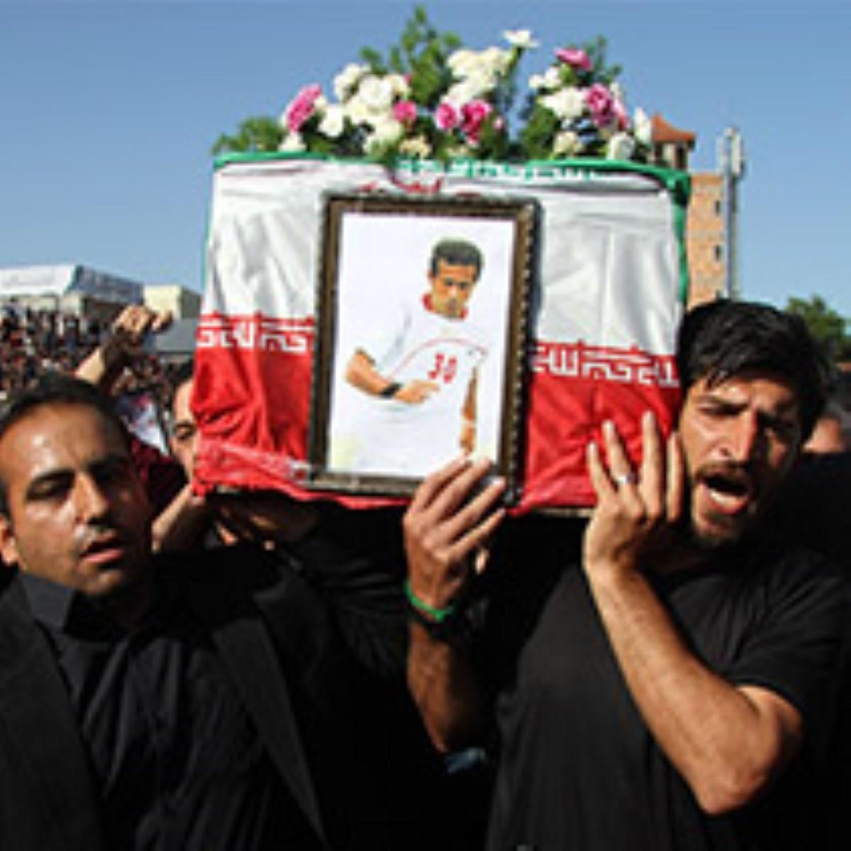 گزارش تصویری /  تشییع پیکر مرحوم مهرداد اولادی