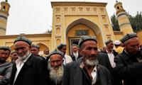 """مليونا إيغوري مسلم بمعتقلات صينية لـ""""طمس الهوية"""""""