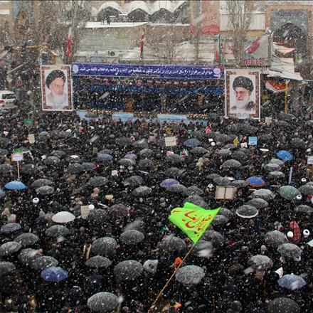 راهپیمایی با شکوه مردم در ۲۲ بهمن ۱۳۹۷  در یک روز برفی