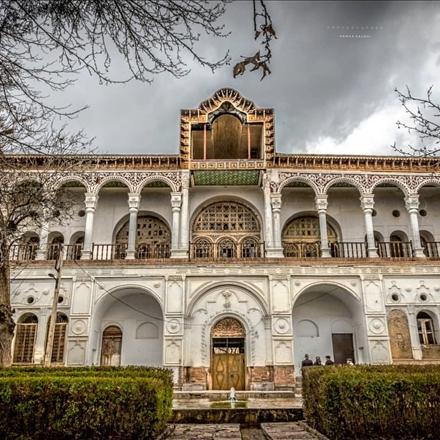 نمایی از عمارت خسروآباد