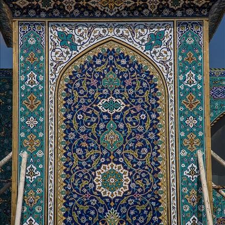 کاشی کاری های برج باب القبله حرم حضرت عباس علیه السلام