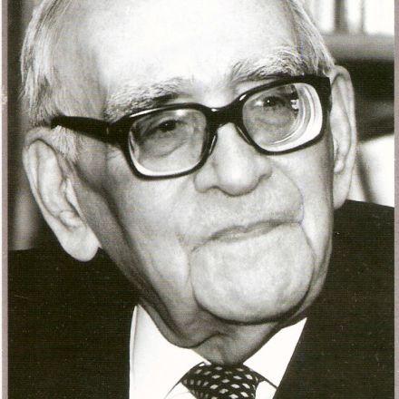 دکتر محمود حسابی