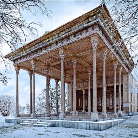 چهل ستون در برف