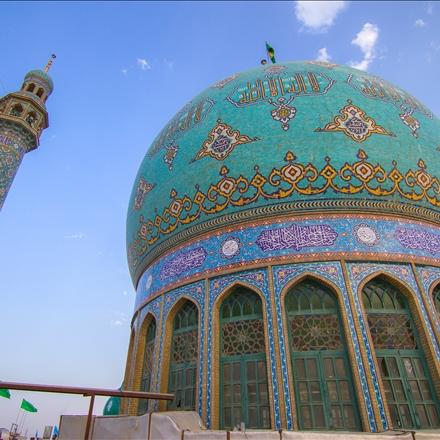 گنبد و گلدسته مسجد از بالای بام