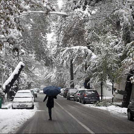 یک روز برفی در تهران
