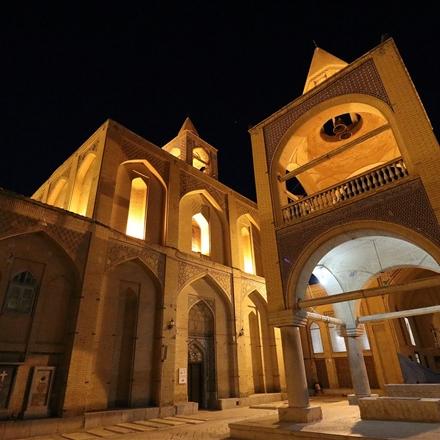 نمایی از ناقوسخانه کلیسای وانک
