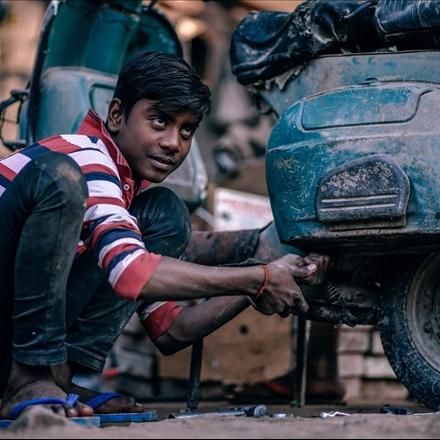 موتور سوار هندی
