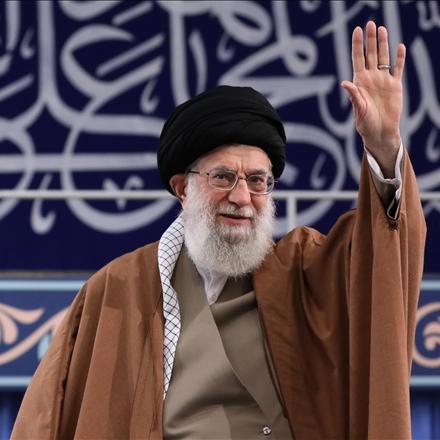 مقام معظم رهبری در دیدار خانوادههای شهدای دفاع مقدس و مدافع حرم