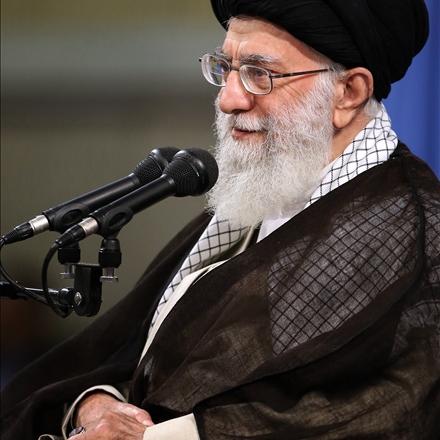 تصویری از حضرت آیتالله خامنهای