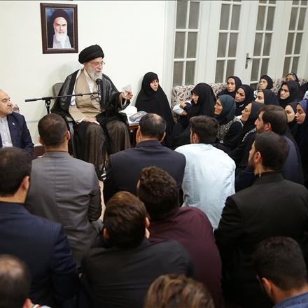 تصاویر دیدار مدالآوران ایران در بازیهای آسیایی با رهبر انقلاب