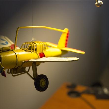 عکس هواپیمای اسباب بازی