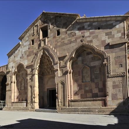 نمای کلیسا از جلو کلیسای استفانوس مقدس