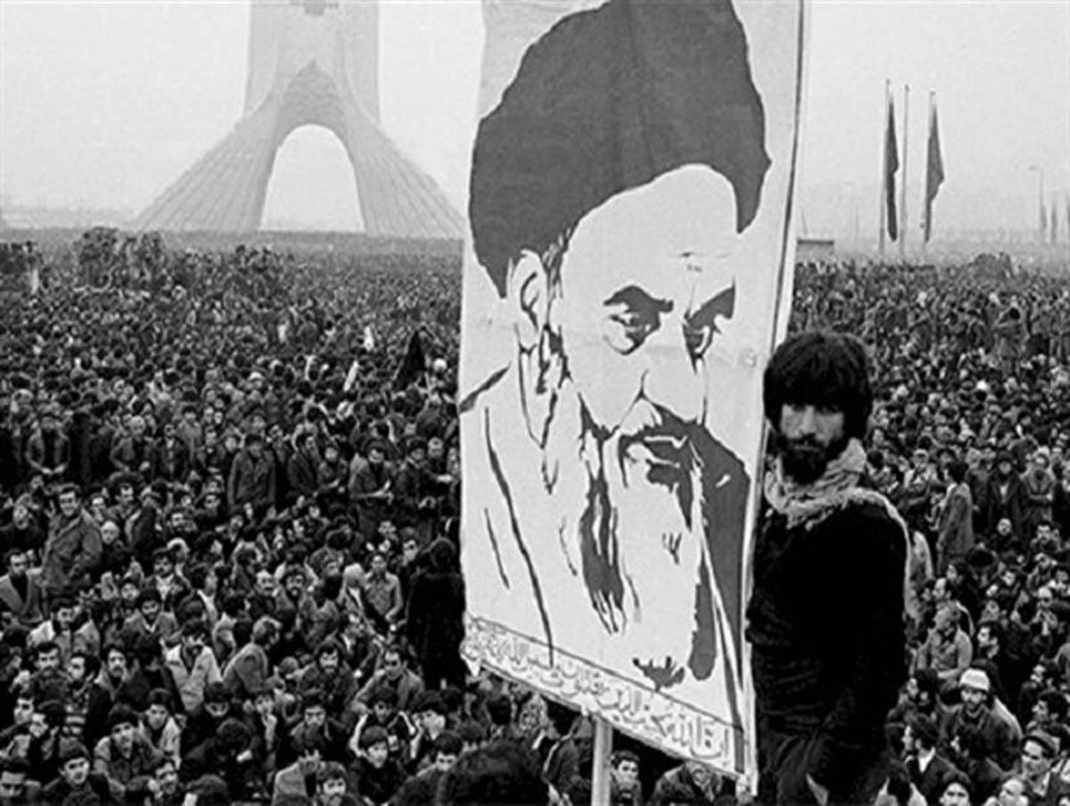 بستر آفات در انقلاب ها