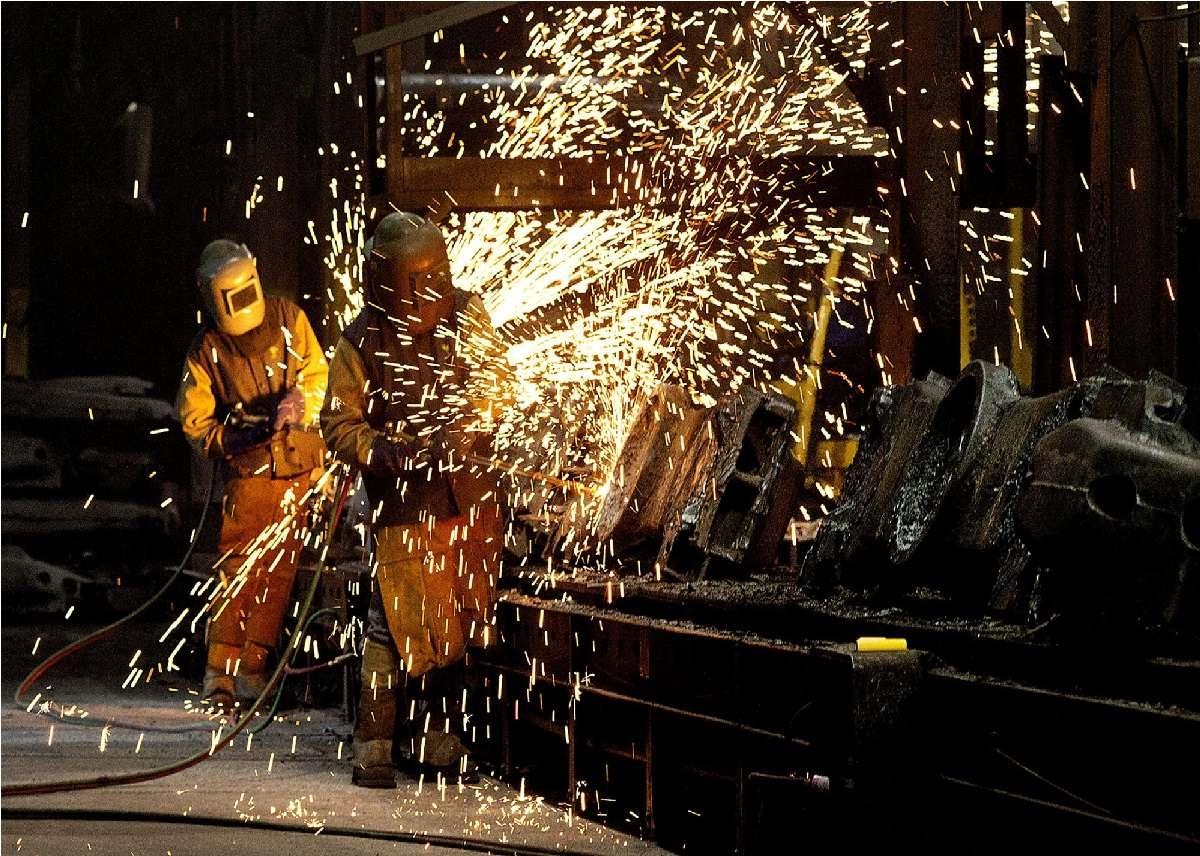 تحریم فروش مواد اولیه، مانعی بر سر راه جهش تولیدات صنعتی
