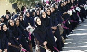 بررسي تأثير ماهواره بر پوشش دختران دبيرستاني (1)