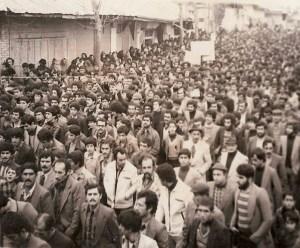 چه عواملی در پیروزی انقلاب اسلامی دخیل بودند؟