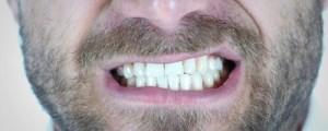 چگونه با روش های خانگی دندان قروچه را درمان کنیم؟