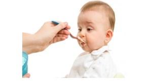 آیا می توان به نوزاد ۴  ماهه غذا داد؟