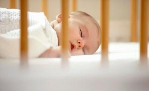 از چه زمانی اتاق خواب کودک را باید جدا کرد؟