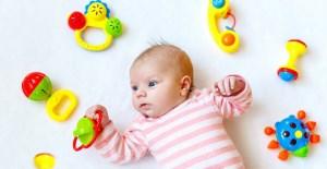 آشنایی با انواع بازی با نوزاد سه ماهه و کوچکتر