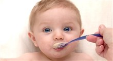 شروع تغذیه نوزاد با غذاهای جامد