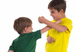 پیشگیری و کنترل دعوا بین بچه ها