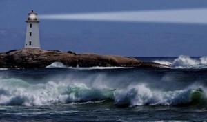 فانوس دریایی چیست و چگونه کار میکند