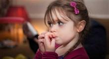 دلایل جویدن ناخن در کودکان و بزرگسالان