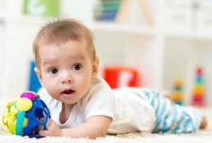 تقویت مهارت حرکتی دست نوزاد