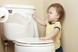 از پوشک گرفتن و آموزش توالت رفتن به کودک