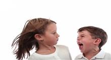 با قشرق و لجبازی کودک چه باید کرد؟