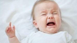 چرا نوزاد بعد از شیر خوردن گریه می کند؟