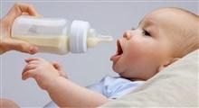 تغذیه نوزاد با شیر مادر و شیر خشک