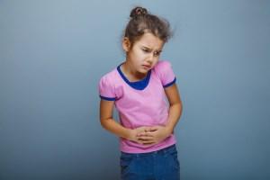 علائم و درمانهای خانگی دل درد کودکان
