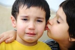 چگونه همدلی را به کودکان بیاموزیم؟
