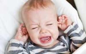 آنچه که از عفونت گوش کودک باید بدانید