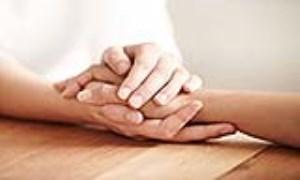 همدلی با دیگران را بیاموزیم