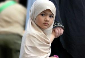 چگونه می توان آموزه های دینی را در کودک نهادینه کرد؟