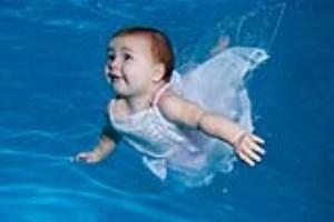 آنچه از شنا کردن نوزادان باید بدانید (بخش دوم)