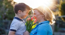 چگونگی تقویت ارتباط مادر و پسر